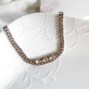 Jewelry - EUC vintage rhinestone bracelet